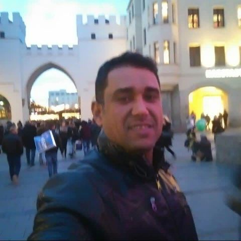 Video Call with قيس
