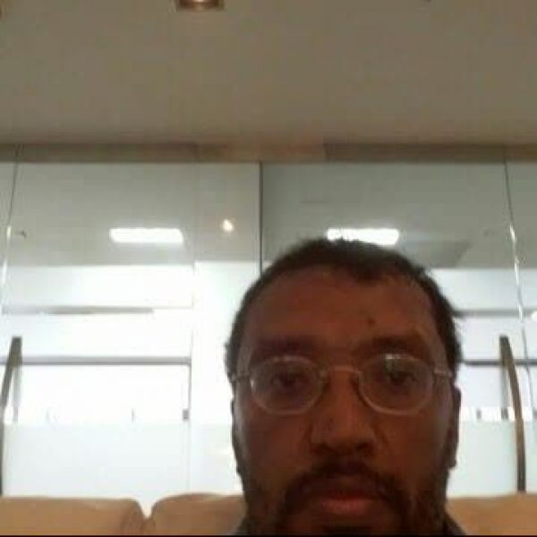 Video Call with سفير