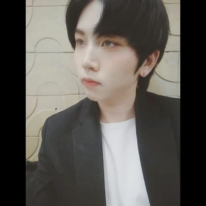 Video Call with 동그니