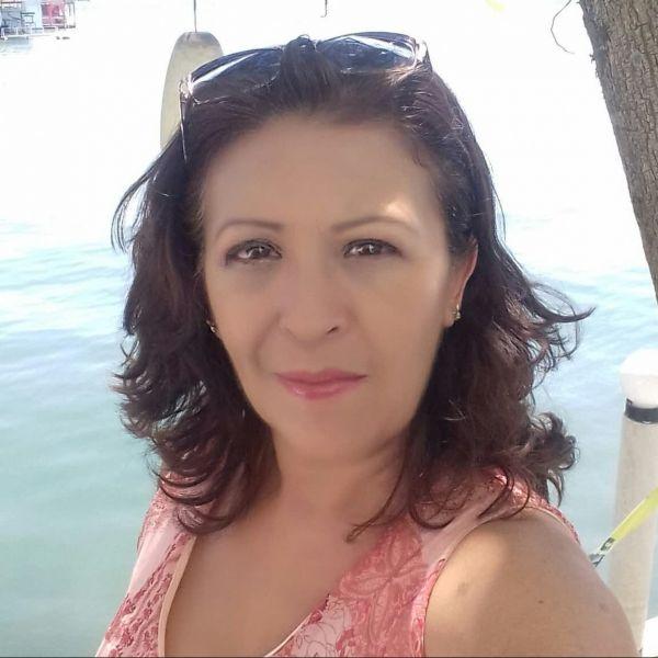 Mónica ile Görüntülü Görüş